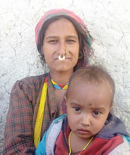 Mutter in Humla